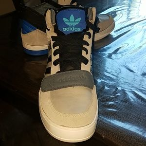 adidas Shoes - Men's Adidas high top shoes.